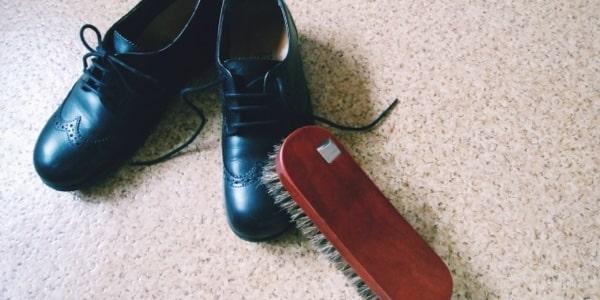 マッチングアプリの手入れされている靴