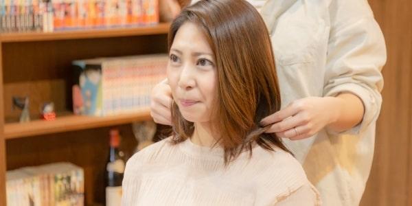 マッチングアプリの写真で髪型を整える
